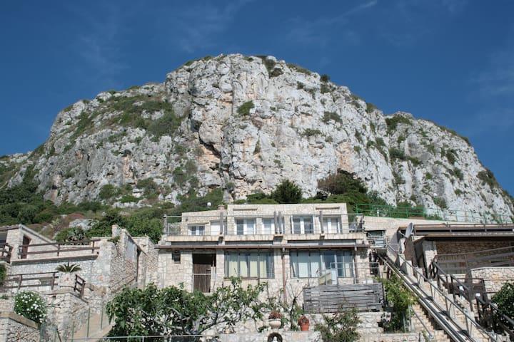 Case in pietra sul mare al Ciolo - sud - Gagliano del Capo