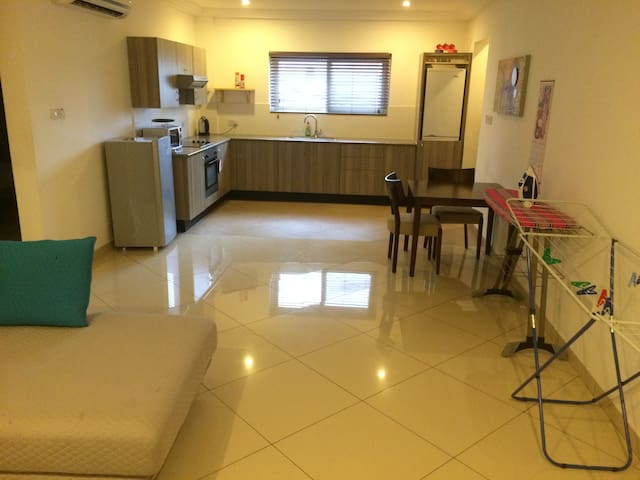 Cosy 2-bedroom Apartment - Accra - Apartment