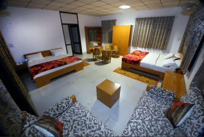 Family Cottage in Resort near Bandhavgarh National Park Tala Madhya Pradesh