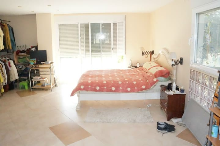 Double/Family Room with Shower Room - Alacant - Bed & Breakfast