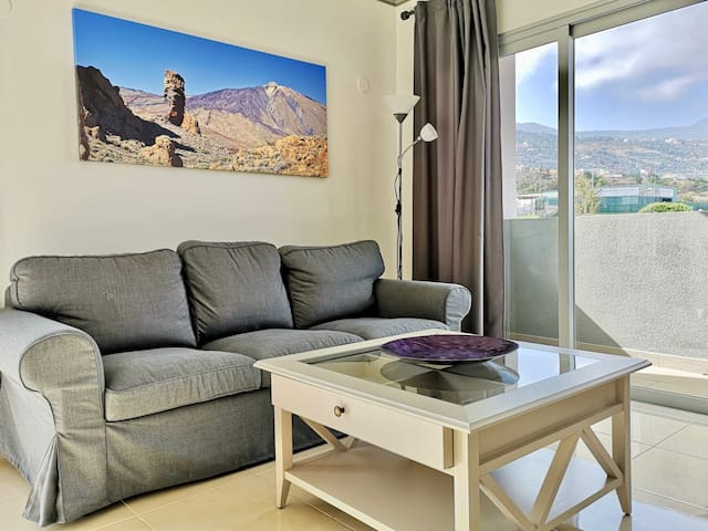 Big 3-bedroom apartment with Teide and sea view