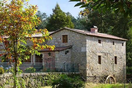 Azenha (old water mill) in Estorãos - Ponte de Lima