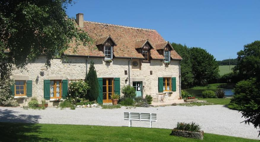 Basse Cour Ch. Double (1) - Ancinnes - Bed & Breakfast