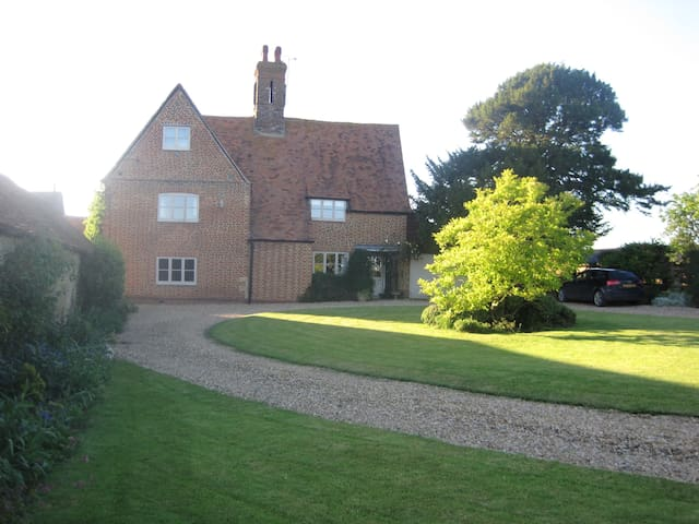 Working farm B&B in quiet location - Buckingham - Bed & Breakfast