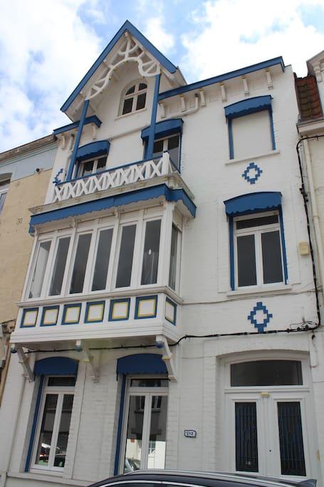 Charmante villa malouine 1890 maisons louer for Garage a louer dunkerque rosendael