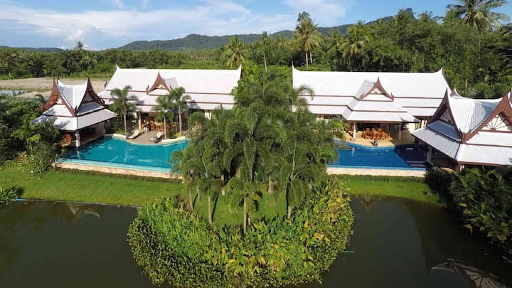 Villa Saifon 'Twins'  - 8 Bedrooms 16 Adults