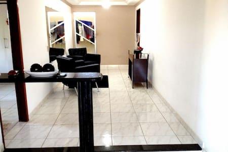 Casa mobiliada com guia turístico. - Recife