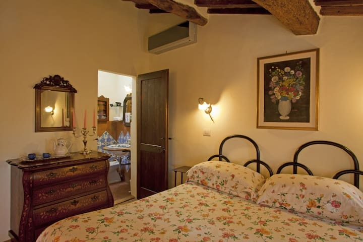 B&B Casa delle Camelie - Rose - Manciano - Bed & Breakfast
