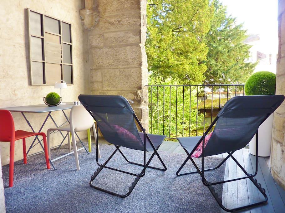 meubl magnifique terrasse plein centre dijon appartements louer dijon bourgogne. Black Bedroom Furniture Sets. Home Design Ideas