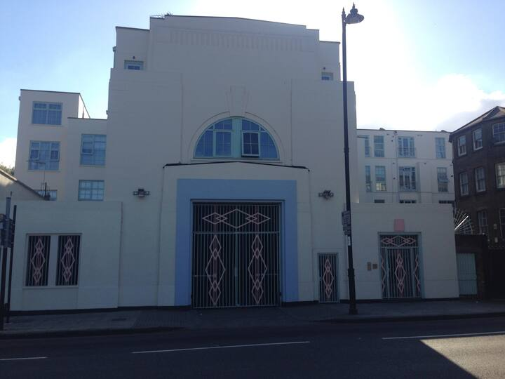 Art Deco Hackney haven