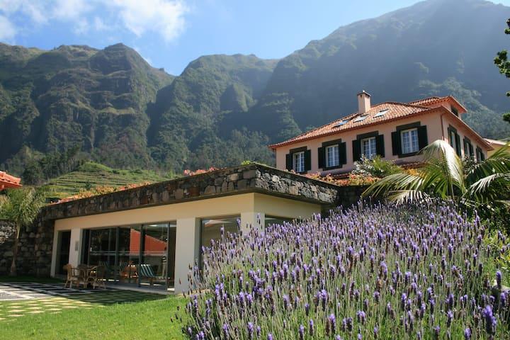 Cottage at Solar da Bica