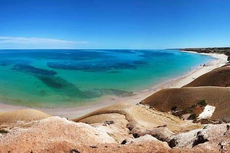 10 min walk to Port Willunga beach! - Port Willunga
