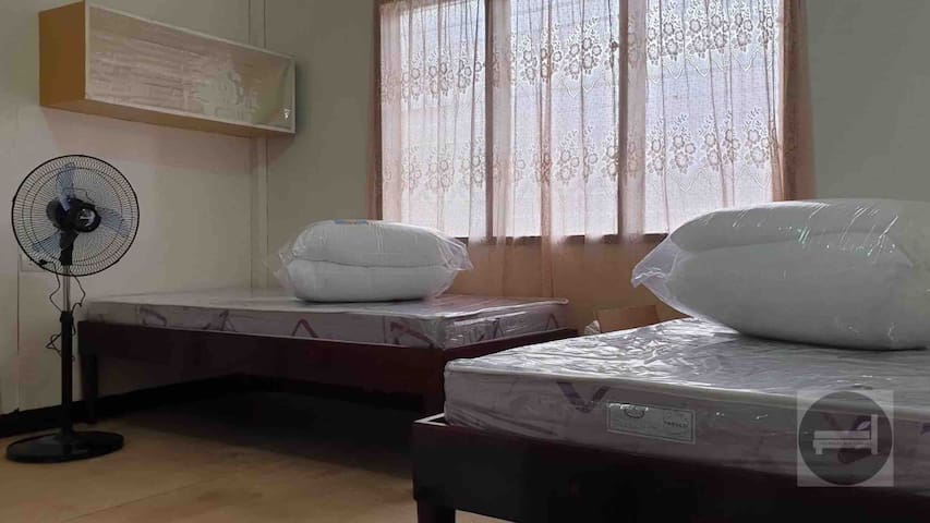 Fan Room (2 Females Sharing, 2 Single Beds)