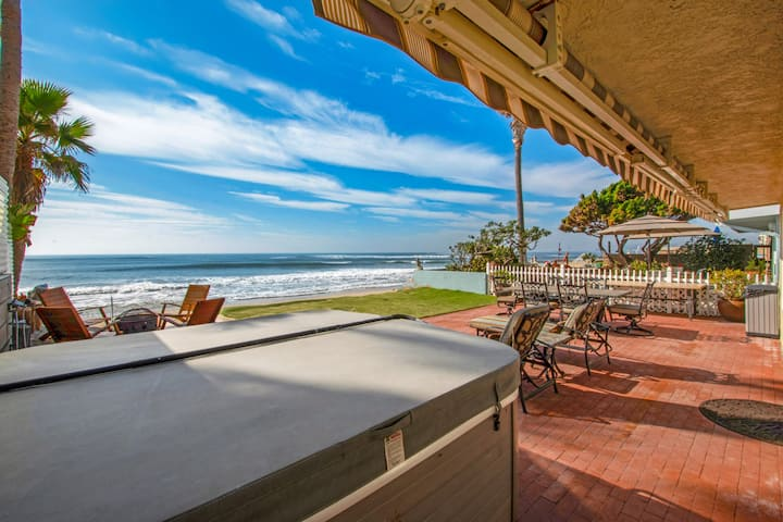 Deluxe Beach House with Hot Tub & Game Room