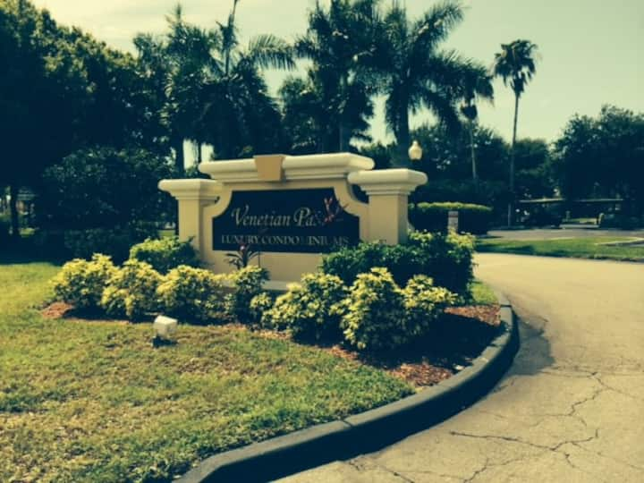 Luxury Furnished Condo- Fort Myers