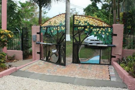 Tree Tops - Mandeville - Apartment