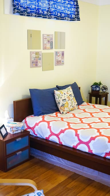 Private entrance to your bedroom. Comfy, new Queen bed!