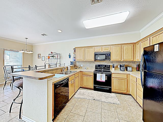 The chef in your group will appreciate the fully equipped kitchen.