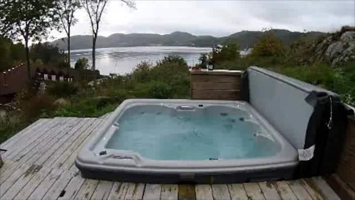Hytte Skomrak i Lungdal, basseng, spa ute,terrasse
