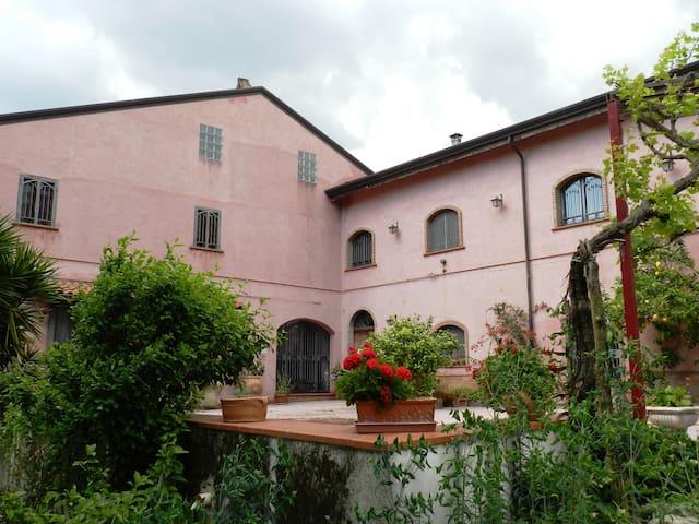 Casale di campagna antico e moderno - Alvignano