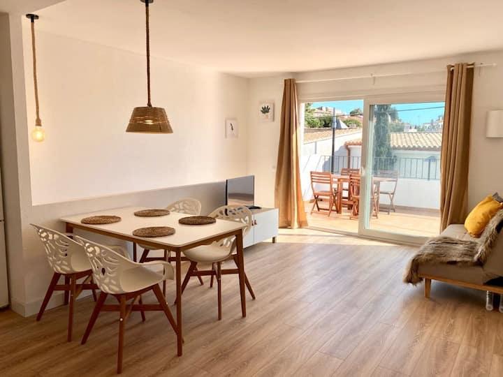 Coqueto Apartamento con Gran Terraza en Cadaqués