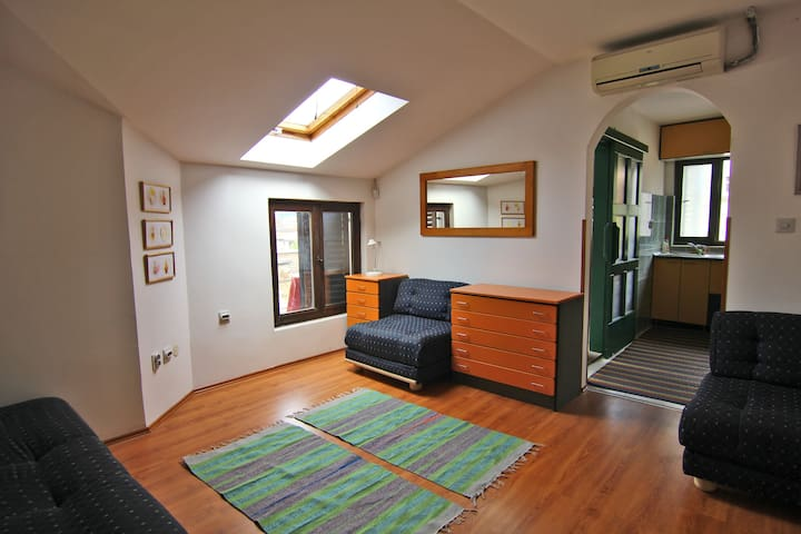 Budget Belgrade Home ***Hello Spring!*** - Belgrado - Appartement