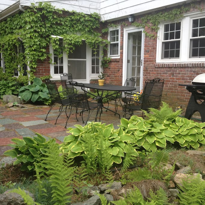 Garden and patio perfect for relaxing or entertaining!