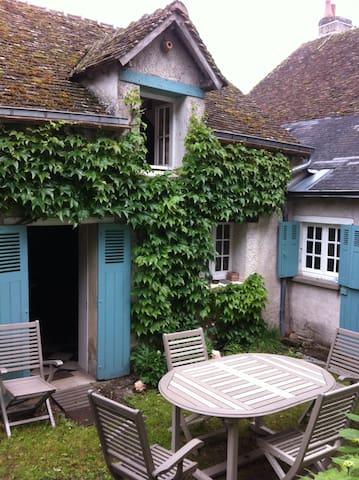 MAISON ANCIENNE EN BORD DE LOIRE - Saint-Dyé-sur-Loire - Casa