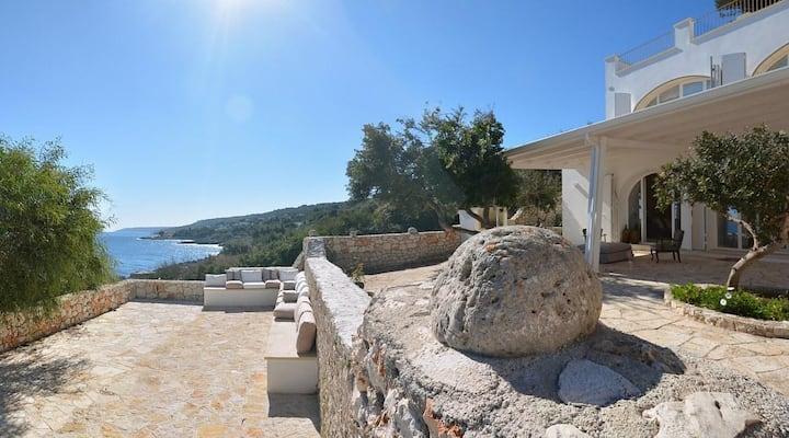 Villa esclusiva con accesso al mare
