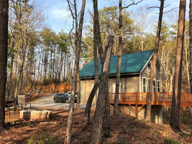 Mountain Ventures - Mr Lake Lure Vacation Rentals