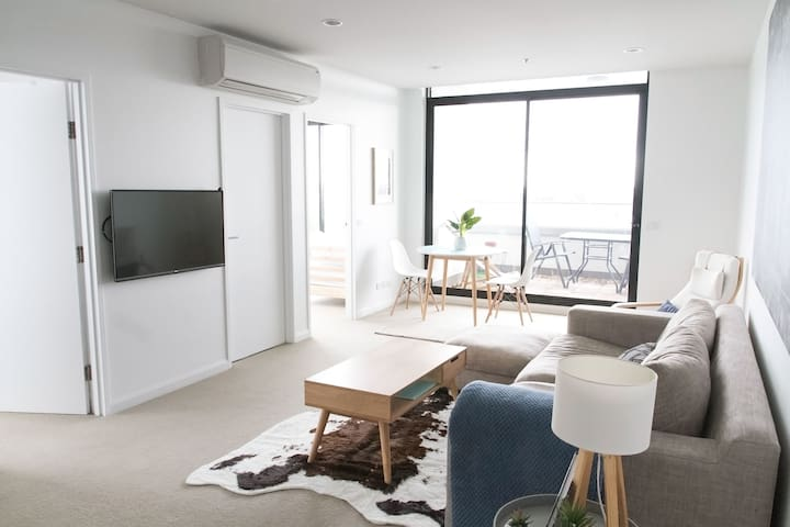 Modern 2BD Apartment in Melbourne's Northcote!