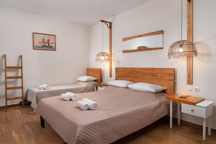external bedroom with en-suite