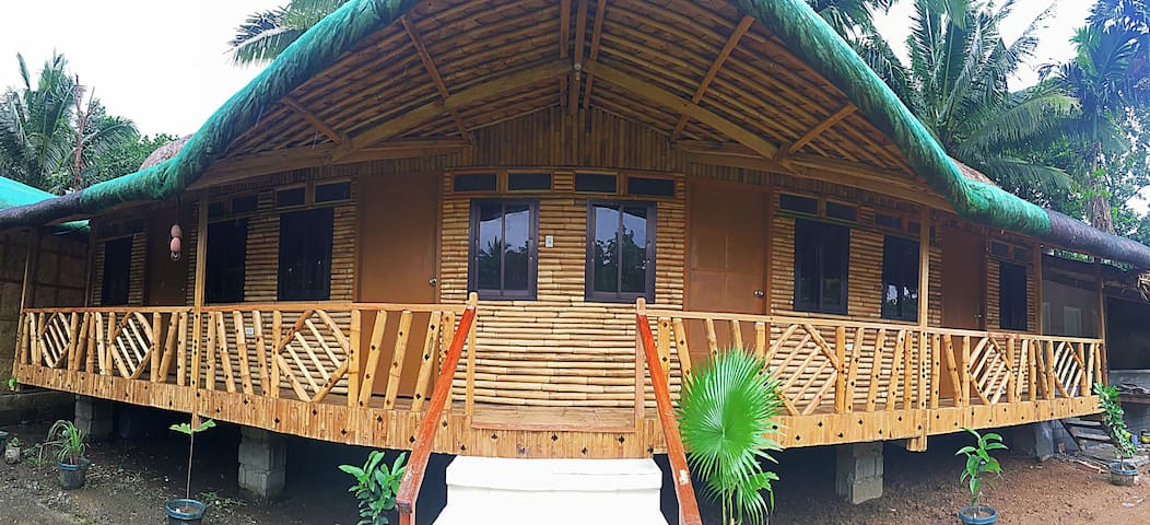 Tinipak Lodge - Daraitan (shared room)