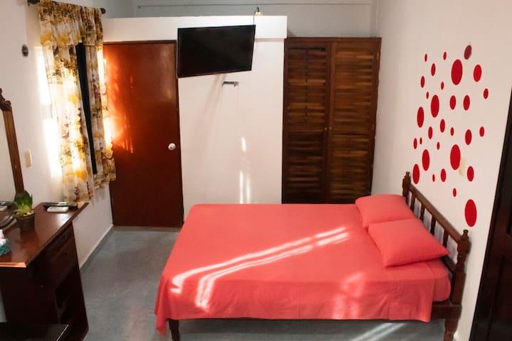 Habitación Privada, tranquilo & cómodo   pareja #1