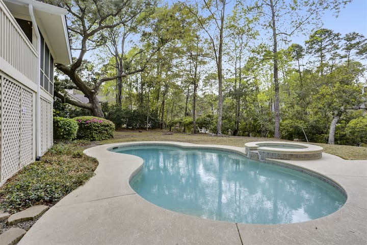 Midstream 5! 3 Bedroom 3 Bath home in Palmetto Dunes on Hilton Head with private pool!