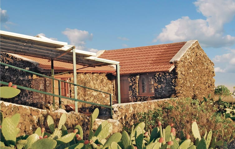 Holiday cottage with 1 bedroom on 35 m² in Taibique El Hierro