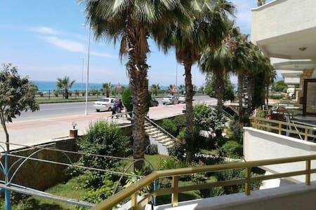 denize sıfır - Mahmutlar Belediyesi - Apartment