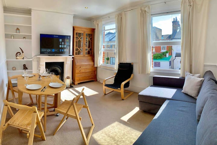 Spacious 3 Bedrooms & 2 Baths Central London Flat