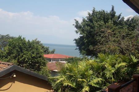 Cedella's Guesthouse apt.3 - San Pedro La Laguna