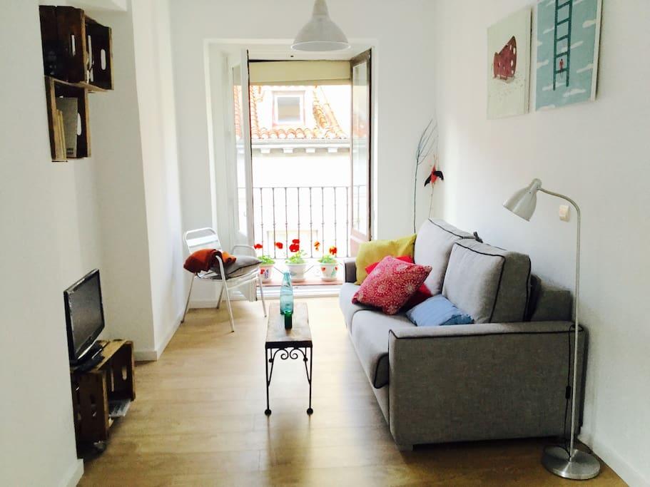 Recién reformado, vista del apartamento desde la cocina