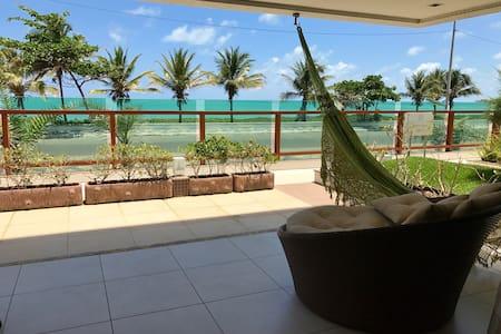 Ocean Front Designer 3Br Apartment