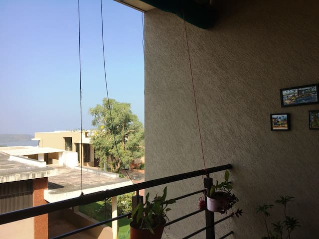 A Room with a View - 1 BHK private in a 3bhk Villa