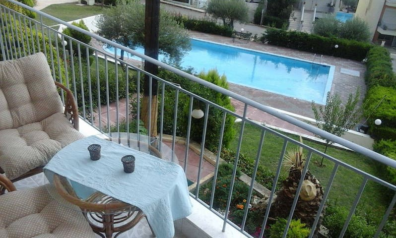 Apartment in Gerakini , 50 meters far from beach - Yerakini - Appartement