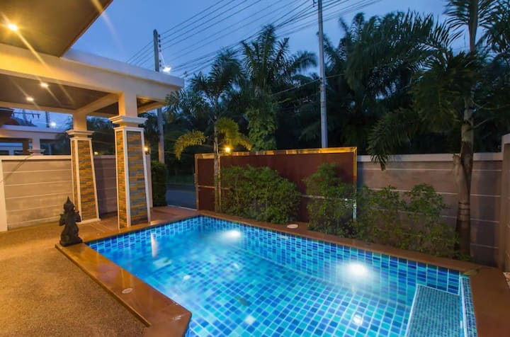 THONG LOR BTS 2RMS HOUSE pool