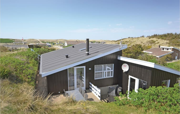 Holiday cottage with 5 bedrooms on 144m² in Hvide Sande