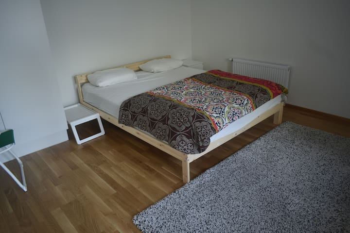 Room in an apartment for Female Guest