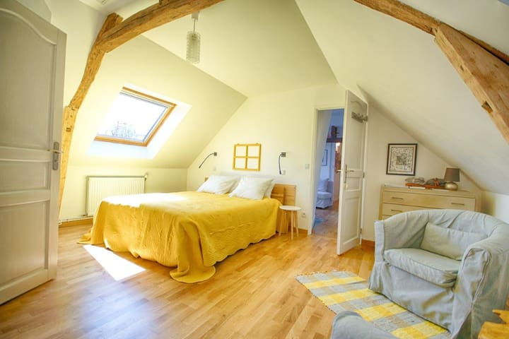 La Chambre familiale - Pierrefonds - Bed & Breakfast