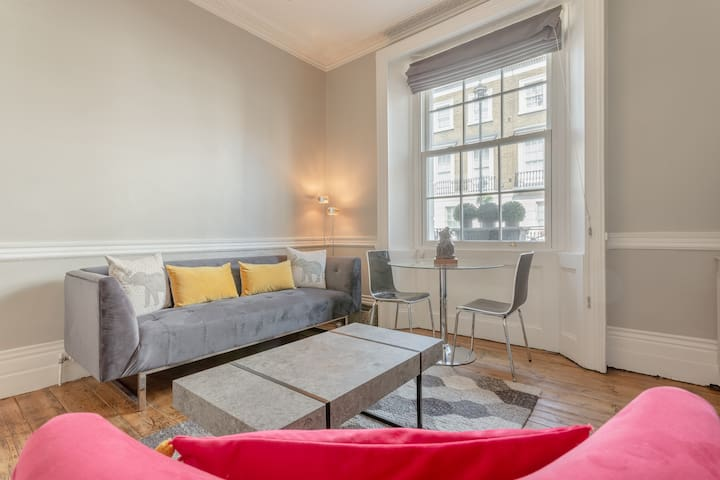 Stylish 1 bed Pimlico flat near Victoria station!