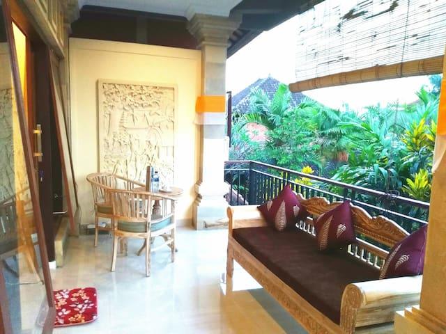 Qiul Guest House (Near Yoga Barn, Second Floor )