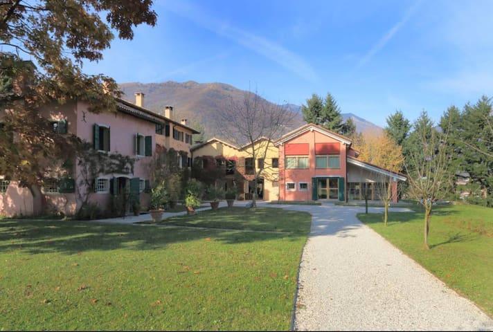 Amazing villa in the vineyards of Prosecco!